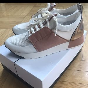 Dolce Vita 'Yana' Sneakers